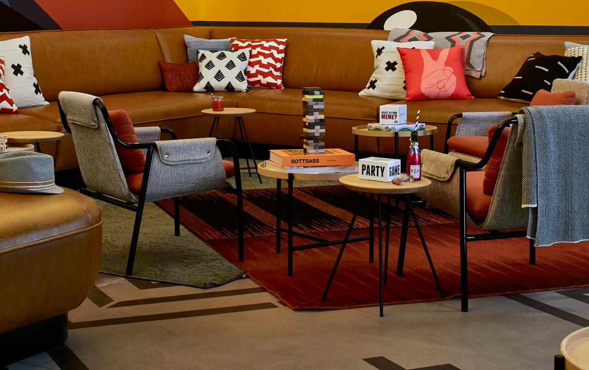 MOXY_ATLOX_Lobby_Lounge3